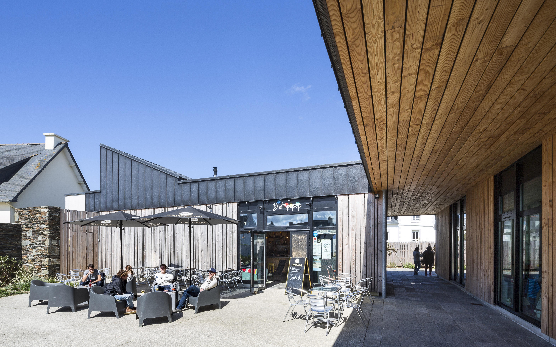 espace public et commercial à Locquirec